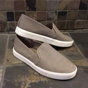 Vince Blair Style Sneakers Size 7